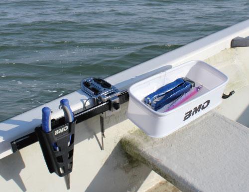 つりピタ/マルチトレイ レンタルボート用万力(つりピタレールセット)使用例